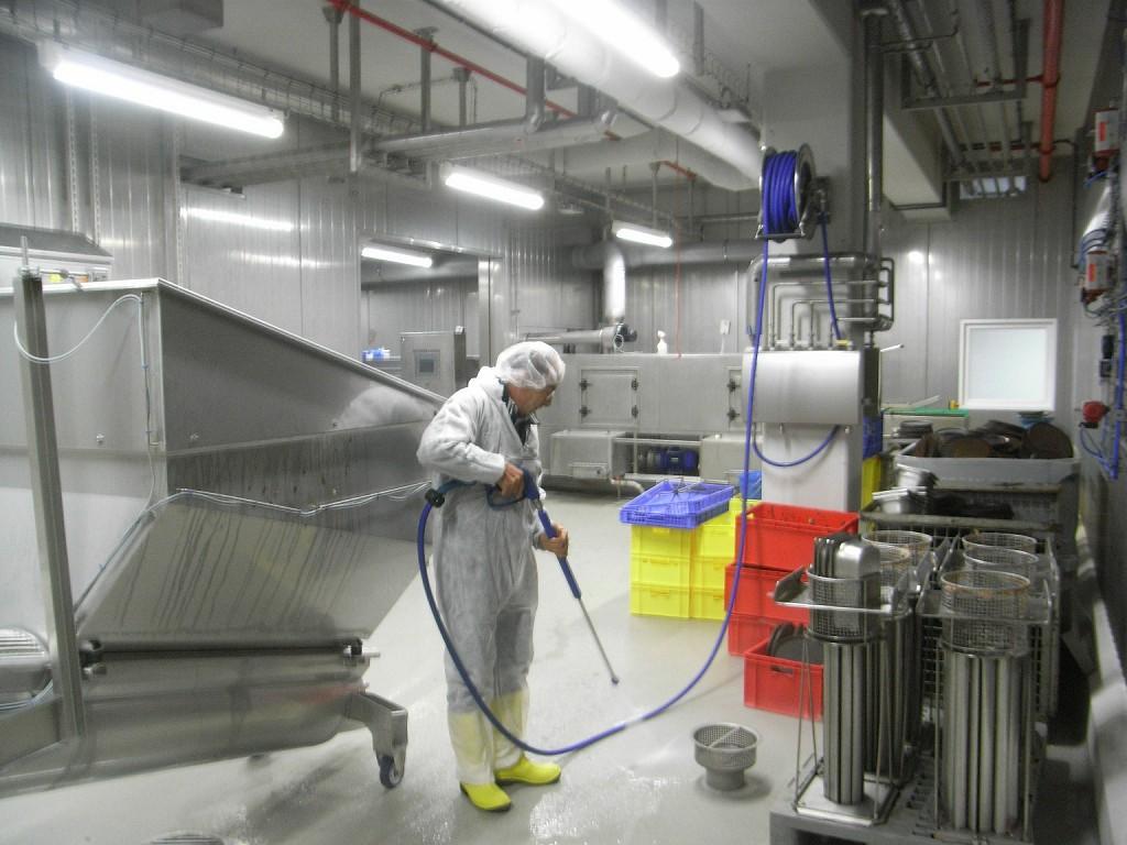 Enrolladores de manguera para la industria alimentaria for Programa de limpieza y desinfeccion en industria alimentaria